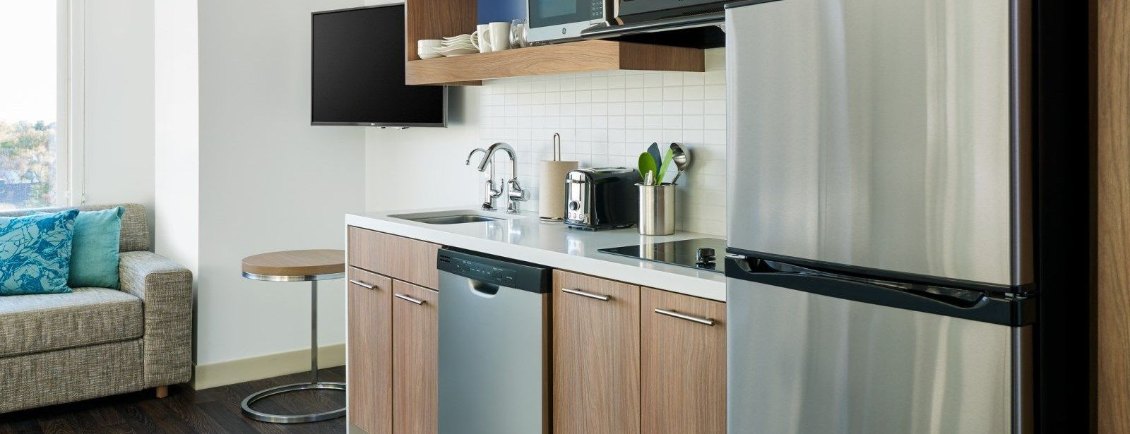 Redmond Accommodations - Studio Kitchen